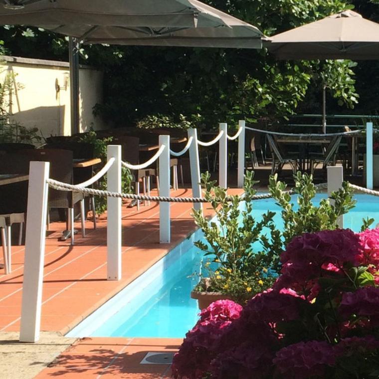 Restaurant avec piscine en Deux-Sèvres